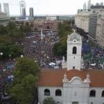 Marcha multitudinaria a 40 años del golpe en Argentina