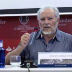 """Julio Anguita: """"Quien domina la sociedad cambia los gobiernos"""""""
