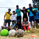 "Estrellas de Casaloma: ""Queremos cambiar campos  de guerra por campos de fútbol"""